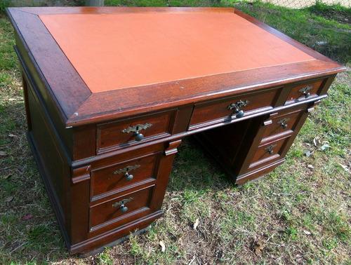 escritorio antiguo