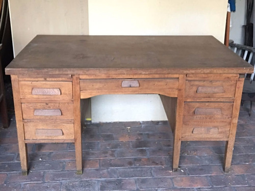 escritorio antiguo de roble