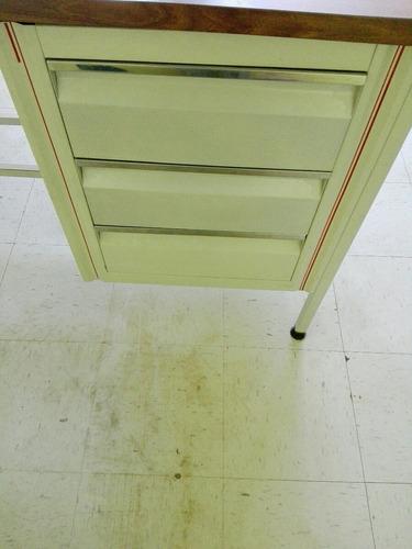 escritorio beige