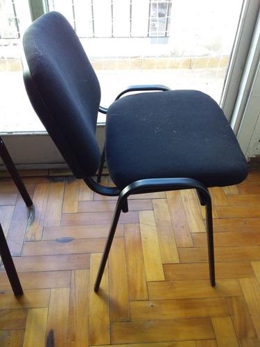 escritorio + bibioteca baja + 2 sillas