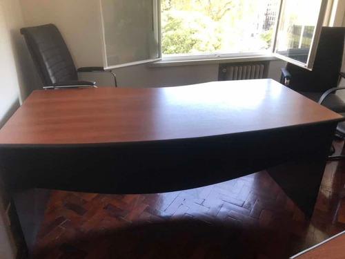 escritorio de oficina. alto 76.ancho 84. largo 1.82