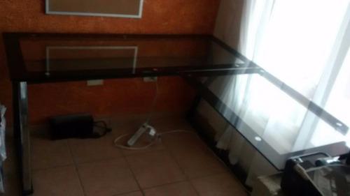 escritorio de oficina en forma l de vidrio