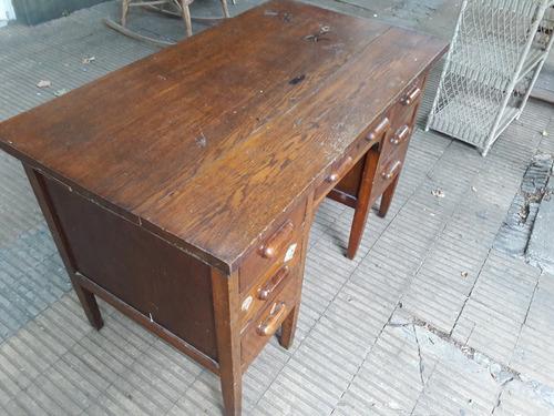 escritorio de roble macizo 7 cajones. cód.: #0851