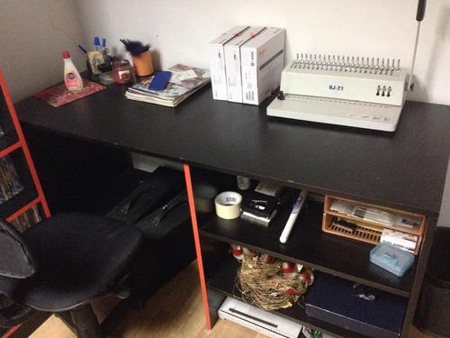 escritorio en formica negro
