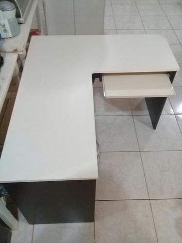 escritorio esquinero