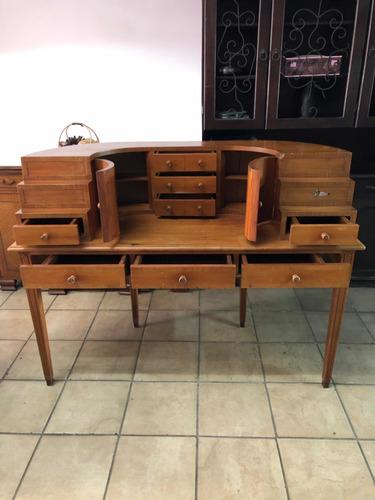 escritorio italiano antiguo de madera , como nuevo