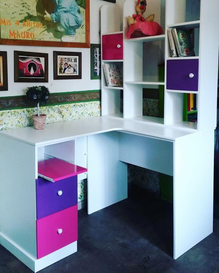 escritorio juvenil con biblioteca