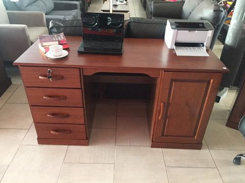 escritorio madera maciza ejecutivo 4 cajones y 1 puerta