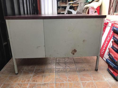 escritorio metálico