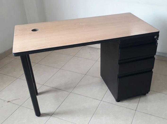Escritorio moderno escritorio modular remate de for Escritorio modular