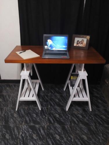 escritorio nordico con caballetes regulables en altura