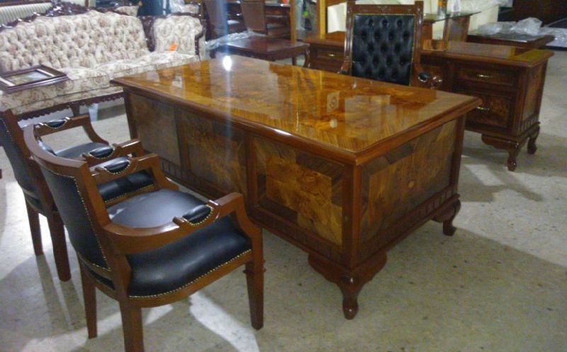 Escritorio provenzal modelo londres en madera fina for Escritorios de madera para oficina