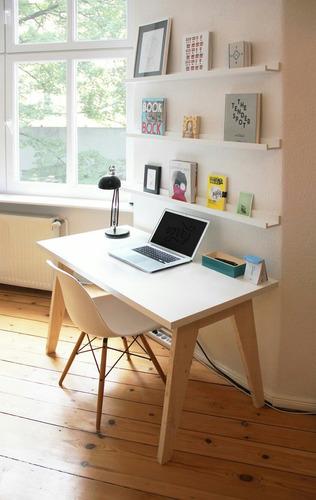 escritorio vintage sencillo