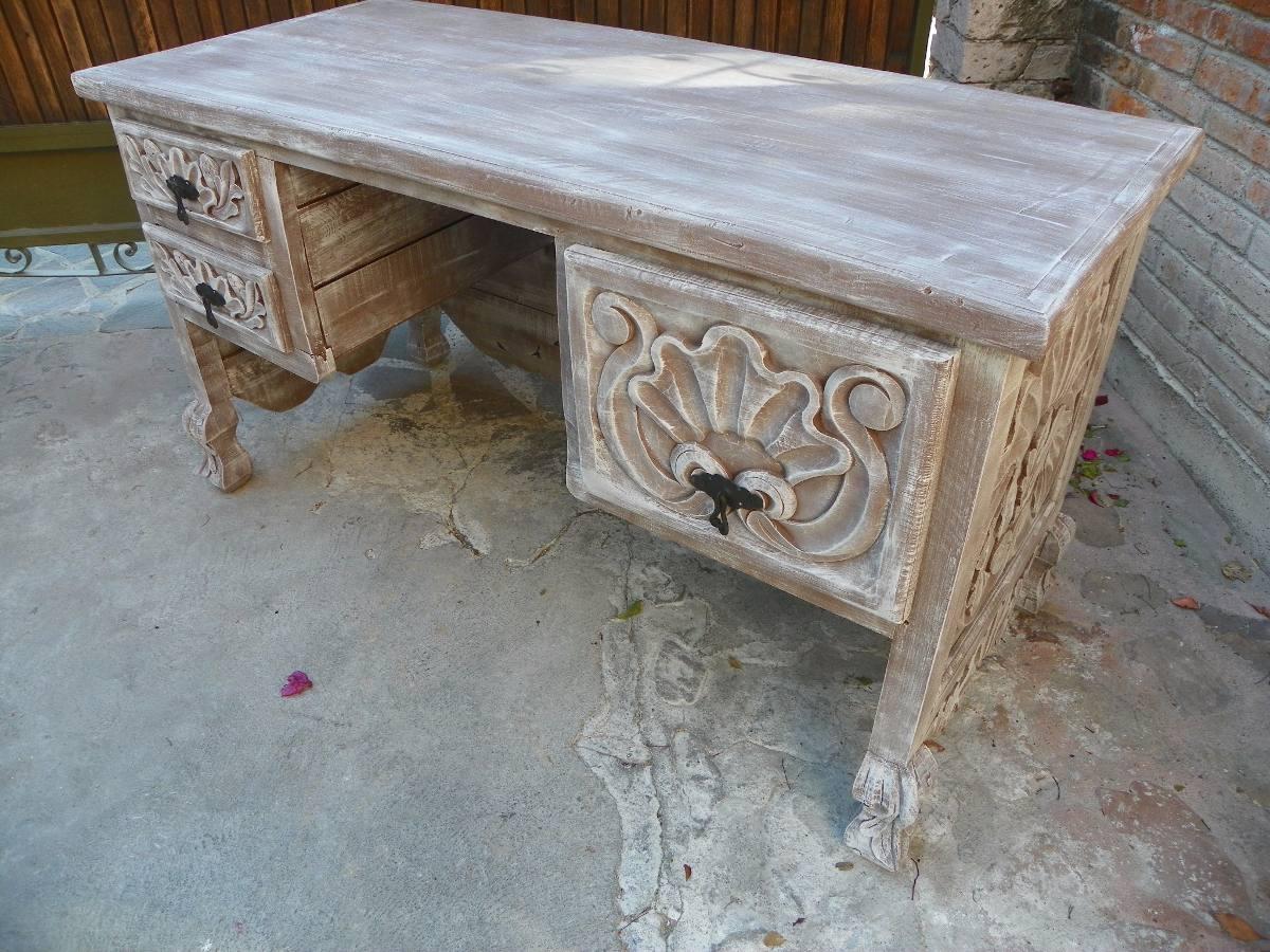 Escritorio vintage tallado en madera decapado antiguo for Mesas de escritorio antiguas