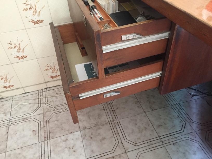 Credenza Con Cesti : Escritorio y credenza madera caoba con silla cesto $ 5 000.00 en