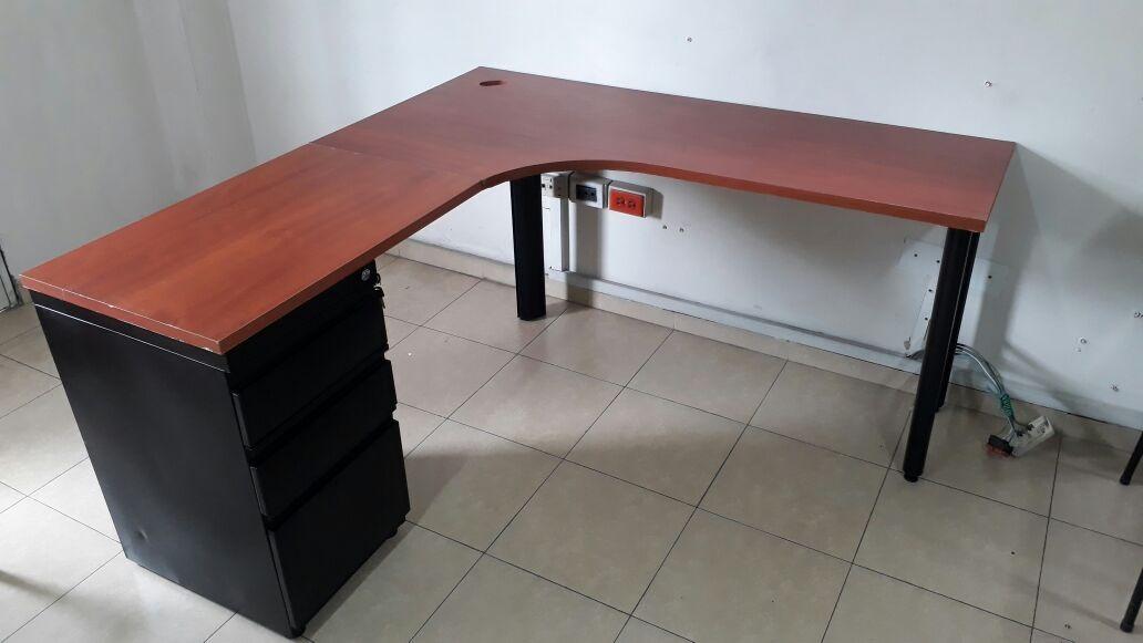 Escritorios escritorios oficina escritorios ejecutivos for Muebles de oficina precios