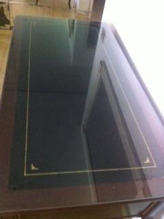escrivaninha clássica luis xv tampo de vidro e couro