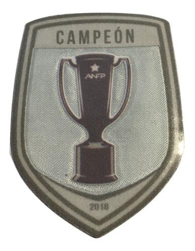 escudo campeón fútbol chileno universidad católica/ s. boxer