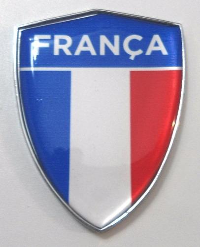 escudo cromado e com resina na bandeira da frança - bre