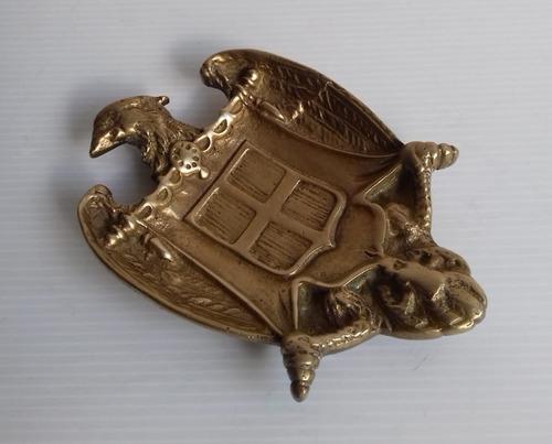 escudo de armas aguila bronce plato despojador unico dueño