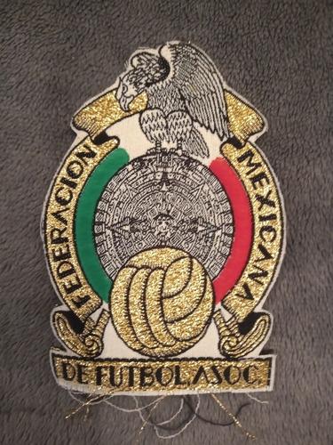 escudo y banderín selección mexicana