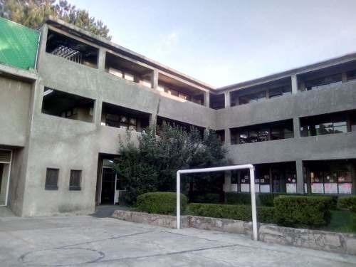 escuela con casa y departamento (nb)