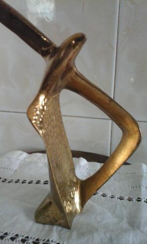 escultura aguila de bronce