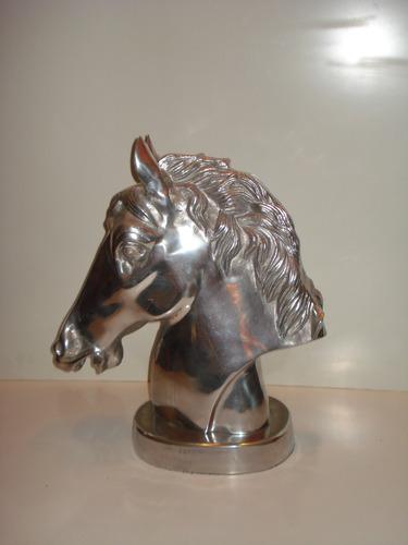 escultura - cabeça de cavalo - alumínio - canadá