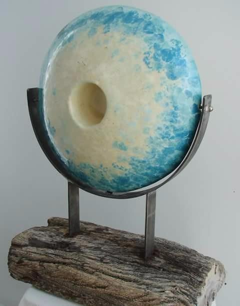 escultura ceramica y madera abstracta
