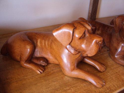 escultura de cachorro em madeira com 90cm- arte em madeira