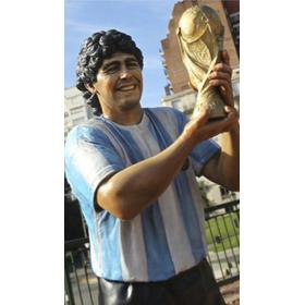 Escultura De Diego A. Maradona