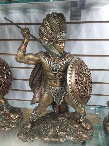Escultura De Guerrero Azteca De Resina 80000 En Mercado Libre