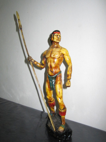 escultura de guerrero inca selvatico