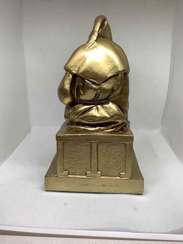 escultura de monje lector- decoración biblioteca - soporte -