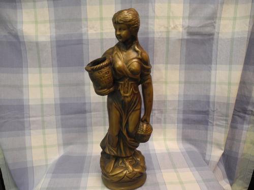 escultura de terracota finamente tallada