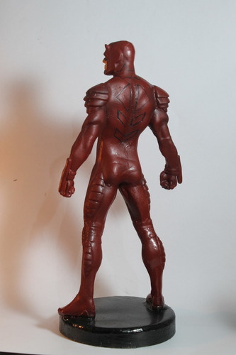 escultura em resina demolidor 34cm