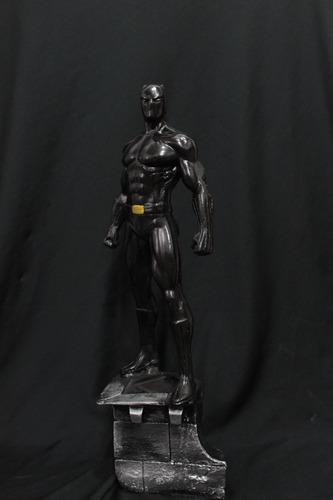 escultura em resina pantera negra 34 cm