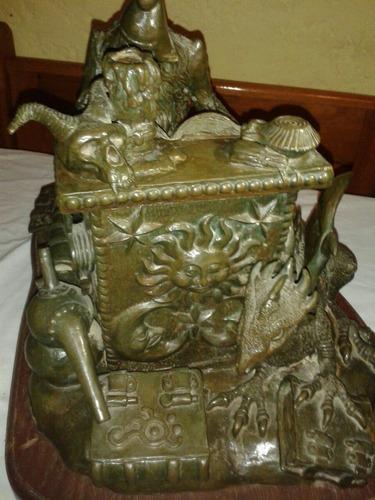escultura en bronce americano firmada por autor  .
