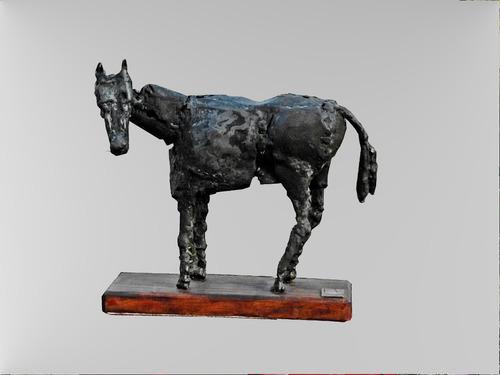 escultura en chatarra de a.squillaro
