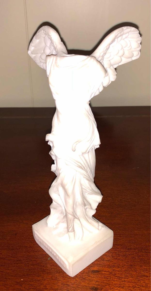 Arrepentimiento concierto raspador  Escultura Griega Nike De Samotracia En Alabastro - $ 210.000 en Mercado  Libre