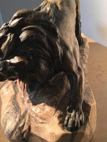 escultura león bronce antiguo firmado mármol