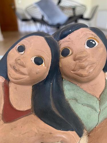 escultura pareja