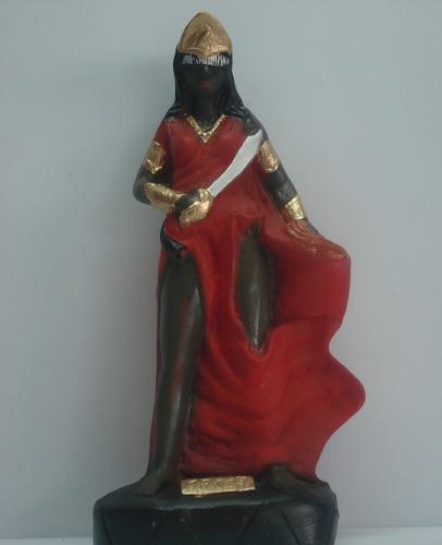 escultura yansã orixá africano estatua do candomblé imagem