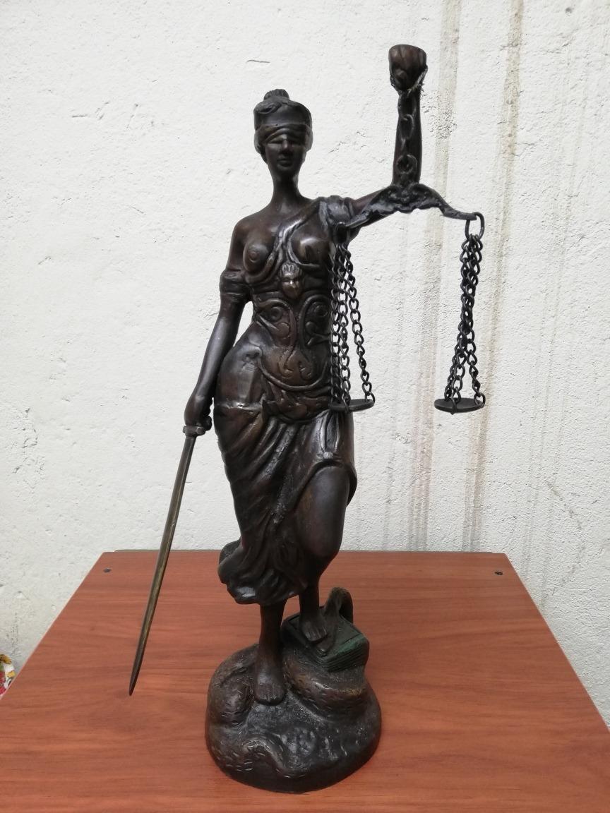 esculturas damas de justicia bronce