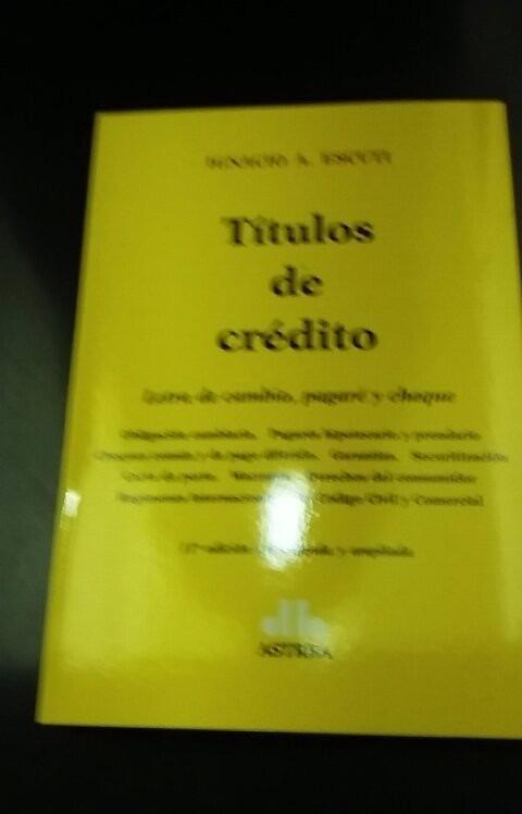 ESCUTI TITULOS DE CREDITO PDF