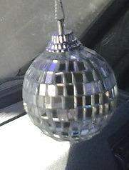 esfera con espejitos subasto