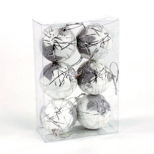 esferas de navidad blanca con hilos plateados y estrellas