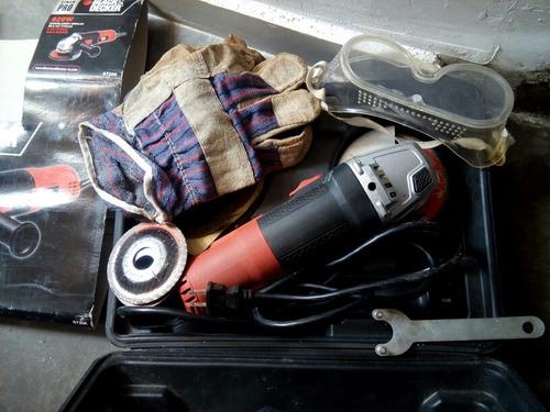 esmeril black&decker 820w de 4-1/2  115mm
