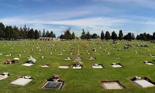 espacio de terreno para inhumación, con capacidad de 4 ataúd