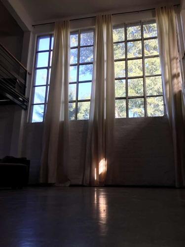 espacio para yoga o actividad física